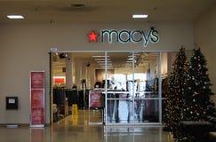 60-75 πώληση μετά από την πώληση Χριστουγέννων σε Marcy ` s Στοκ Φωτογραφίες