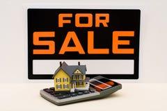 πώληση σπιτιών Στοκ φωτογραφίες με δικαίωμα ελεύθερης χρήσης