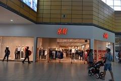 Πώληση στο κατάστημα H&M Στοκ φωτογραφίες με δικαίωμα ελεύθερης χρήσης