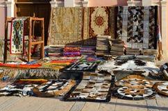 Πώληση των ταπήτων στην οδό στο IL Mercato Sheikh Sharm EL, Αίγυπτος Στοκ Εικόνες