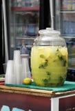 πώληση mojitos ποτών μαλακή στοκ εικόνες