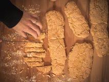 Πώς να κάνει το τέλειο biscotti Στοκ Εικόνες