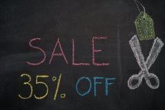 Πώληση 35% μακριά στον πίνακα κιμωλίας Στοκ φωτογραφίες με δικαίωμα ελεύθερης χρήσης