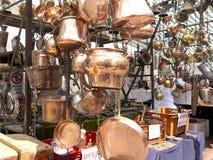 Πώληση του παλαιού χαλκού cookware Στοκ Εικόνα