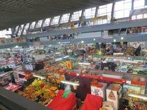 Πώληση των προϊόντων στην αγορά στοκ φωτογραφία με δικαίωμα ελεύθερης χρήσης