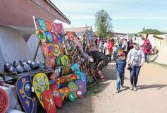 Πώληση των χρωματισμένων ασπίδων Στοκ φωτογραφία με δικαίωμα ελεύθερης χρήσης