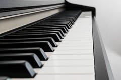 πλάγια όψη πιάνων πλήκτρων Στοκ φωτογραφία με δικαίωμα ελεύθερης χρήσης