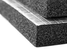 Πλάκα μόνωσης θερμότητας με το φύλλο φύλλων αλουμινίου Στοκ εικόνες με δικαίωμα ελεύθερης χρήσης