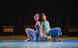 Πλάτη με πλάτη-σύγχρονος χορός Στοκ Εικόνες
