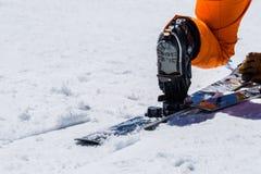 Πλέγματα σχήματος ρακέτας και εξοπλισμού ή να κάνει σκι σκι εξοπλισμός και ακραίο wint Στοκ φωτογραφία με δικαίωμα ελεύθερης χρήσης