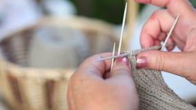 Πλέκοντας κάλτσες φιλμ μικρού μήκους