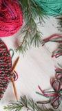 Πλέξιμο Χριστουγέννων στα δονούμενα χρώματα Στοκ Φωτογραφία