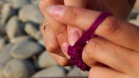Πλέξιμο women' κόσμημα του s φιλμ μικρού μήκους