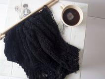 Πλέξτε το μαύρο πουλόβερ Στοκ φωτογραφία με δικαίωμα ελεύθερης χρήσης