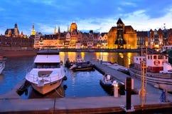 Πλέοντας βάρκες στο ιστορικό ναυτικό τη νύχτα Στοκ Εικόνες