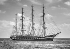 Πλέοντας σκάφος σε γραπτό Στοκ Εικόνες