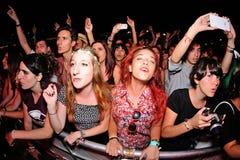 Πλήθος σε μια συναυλία στο φεστιβάλ Dcode Στοκ φωτογραφίες με δικαίωμα ελεύθερης χρήσης