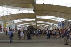 Πλήθος των ανθρώπων που επισκέπτονται EXPO Στοκ εικόνες με δικαίωμα ελεύθερης χρήσης