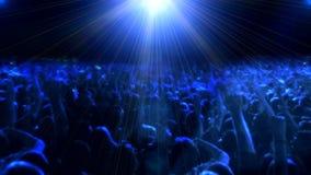 Πλήθος των ανθρώπων που χορεύουν στη συναυλία φιλμ μικρού μήκους