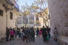 Πλήθος των ανθρώπων Plaza del Mercado στη Βαλένθια Στοκ Εικόνες