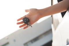 πλήκτρο εκμετάλλευσης χεριών αυτοκινήτων Στοκ φωτογραφία με δικαίωμα ελεύθερης χρήσης