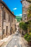 Πλήρεις όμορφες οδοί χρώματος στην Ουμβρία, Ιταλία Στοκ Φωτογραφίες