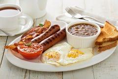 Πλήρες αγγλικό πρόγευμα με το αυγό και το μπέϊκον Στοκ φωτογραφία με δικαίωμα ελεύθερης χρήσης