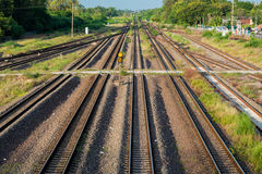 Πλήρες πλαίσιο των διαδρομών σιδηροδρόμου Στοκ Φωτογραφία