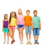 Πλήρης φωτογραφία μήκους πέντε παιδιών Στοκ φωτογραφία με δικαίωμα ελεύθερης χρήσης