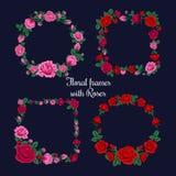 Πλαίσια και ετικέττες με τα τριαντάφυλλα για τις ευχετήριες κάρτες ελεύθερη απεικόνιση δικαιώματος