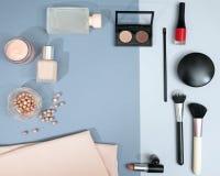 Πλαίσιο από το σύνολο επαγγελματικών διακοσμητικών καλλυντικών Στοκ Εικόνα