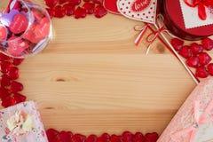 Πλαίσιο για τις επιστολές αγάπης με τις καρδιές Στοκ φωτογραφία με δικαίωμα ελεύθερης χρήσης
