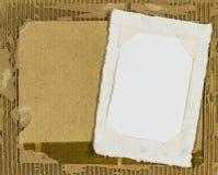 Πλαίσιο εικόνων εγγράφου στο απόρριμα χαρτονιού Στοκ εικόνα με δικαίωμα ελεύθερης χρήσης