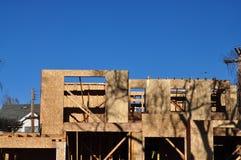 Πλαίσιο καινούργιων σπιτιών στην επεξεργασία στοκ φωτογραφία με δικαίωμα ελεύθερης χρήσης