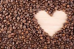 Πλαίσιο καφέ καρδιών φιαγμένο από φασόλια καφέ Στοκ Φωτογραφία