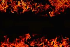 Πλαίσιο της πυρκαγιάς στο σκοτεινό υπόβαθρο για τη χρήση στο montage Στοκ φωτογραφία με δικαίωμα ελεύθερης χρήσης