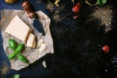 Πλαίσιο τροφίμων, ιταλικό υπόβαθρο τροφίμων, υγιής έννοια τροφίμων ή συστατικά για το μαγείρεμα των ζυμαρικών σε ένα εκλεκτής ποι Στοκ εικόνες με δικαίωμα ελεύθερης χρήσης