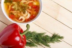 Πλαίσιο τροφίμων Πιάτα της μεσογειακής κουζίνας από τα λαχανικά και τις γαρίδες Στοκ φωτογραφίες με δικαίωμα ελεύθερης χρήσης