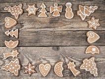 Πλαίσιο Χριστουγέννων με τα μπισκότα μελοψωμάτων στοκ εικόνα