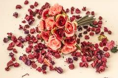 πλαστά τριαντάφυλλα Στοκ Εικόνες