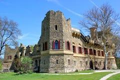 Πλαστή καταστροφή του μεσαιωνικού κάστρου, Lednice, Τσεχία Στοκ Εικόνα