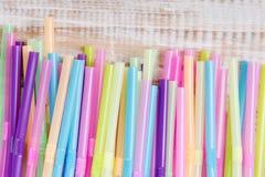 Πλαστικά άχυρα κατανάλωσης Στοκ φωτογραφίες με δικαίωμα ελεύθερης χρήσης