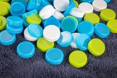 Πλαστικά καλύμματα μπουκαλιών Στοκ φωτογραφία με δικαίωμα ελεύθερης χρήσης