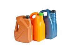Πλαστικά μεταλλικά κουτιά για το πετρέλαιο μηχανών Στοκ φωτογραφία με δικαίωμα ελεύθερης χρήσης