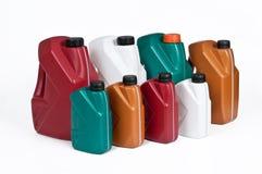 Πλαστικά μεταλλικά κουτιά για το πετρέλαιο μηχανών Στοκ εικόνες με δικαίωμα ελεύθερης χρήσης