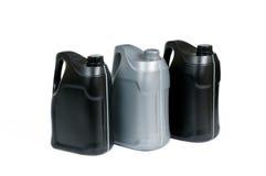 Πλαστικά μεταλλικά κουτιά για το πετρέλαιο μηχανών Στοκ εικόνα με δικαίωμα ελεύθερης χρήσης