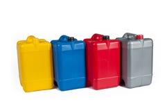 Πλαστικά μεταλλικά κουτιά για το πετρέλαιο μηχανών Στοκ Εικόνες