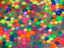 πλαστικές σφαίρες στο νερό για το παιχνίδι φτυαριών στο ιαπωνικό θερινό φεστιβάλ Στοκ φωτογραφία με δικαίωμα ελεύθερης χρήσης