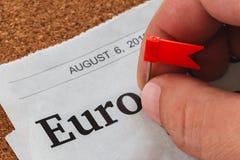 Πλαστική καρφίτσα σημαιών σε τυπωμένο χαρτί Στοκ εικόνα με δικαίωμα ελεύθερης χρήσης