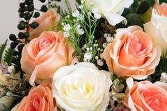 Πλαστική Floral ανθοδέσμη των διαφορετικών λουλουδιών Στοκ Εικόνες